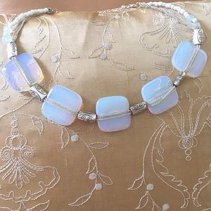 Pearlized and silver beaded necklace